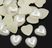 30 st Hjärta  halvpärla, cremefärgad 12 mm