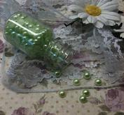 Ca 500 st ljusgröna halvärlor 4 mm
