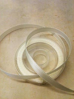 ca 3  meter band  - färg Ivory